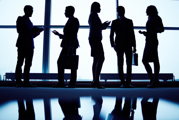 silhouettes-executives-lobby_1098-2263